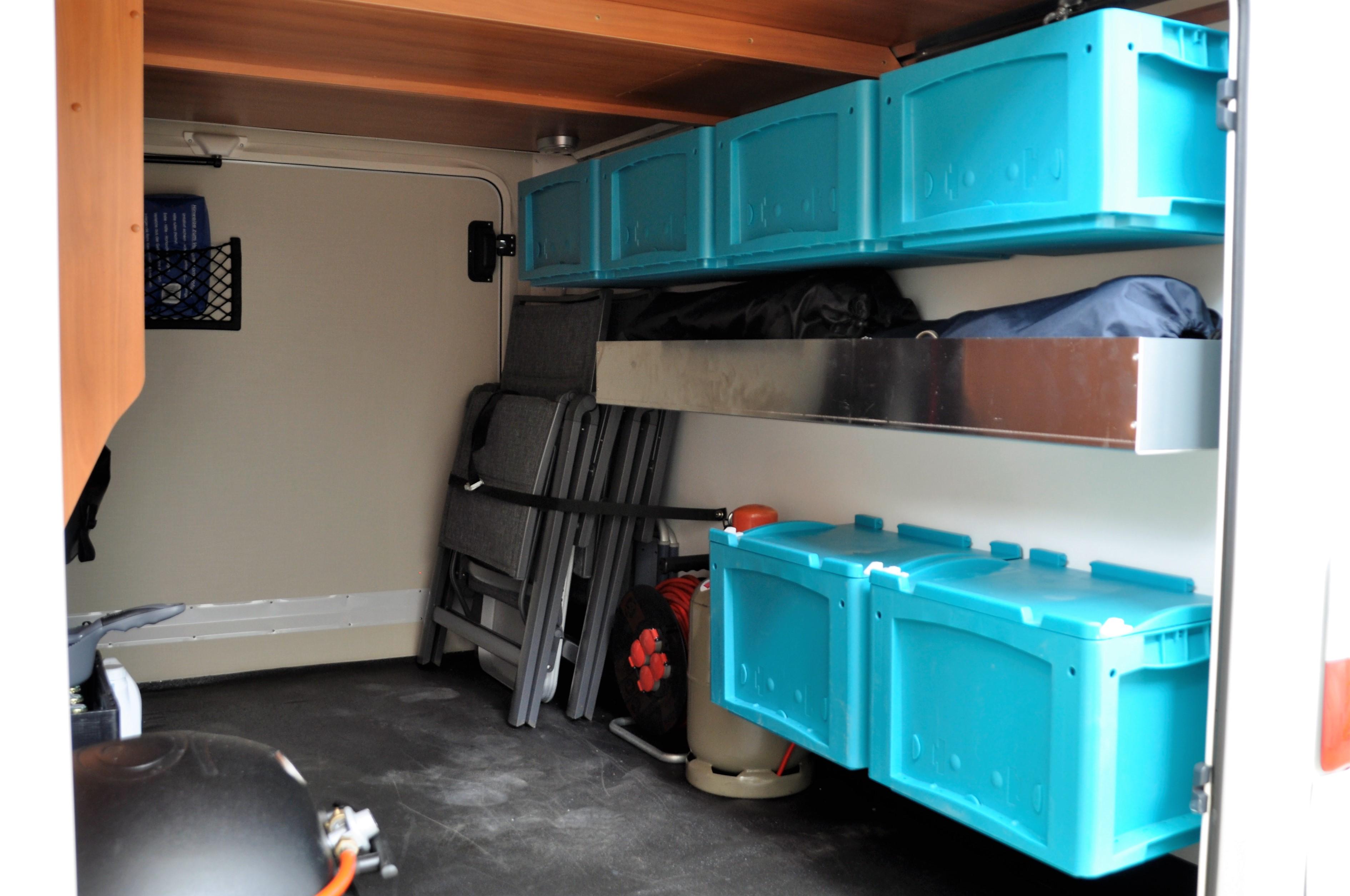 ihr zubeh rspezialist f r wohnmobile reisemobile und bus. Black Bedroom Furniture Sets. Home Design Ideas